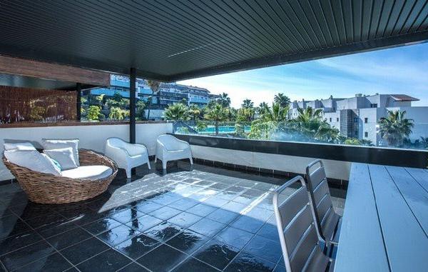 3 Sovrum, 2 Badrum Lägenhet Till Salu i Cumbre de los Almendros, Los Flamingos, Benahavis