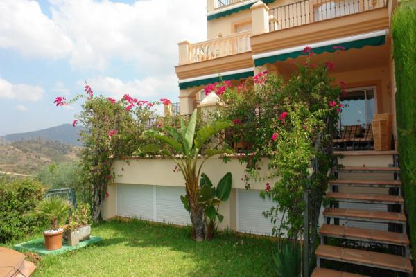 6 Sovrum, 3 Badrum Villa Till Salu i Elviria, Marbella East