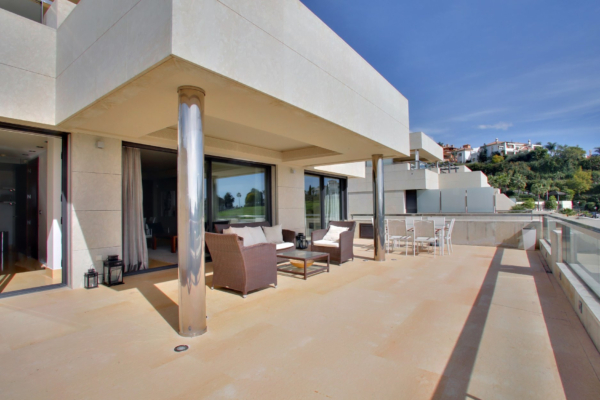 2 Sovrum, 2 Badrum Lägenhet Till Salu i Los Arrayanes, Nueva Andalucia