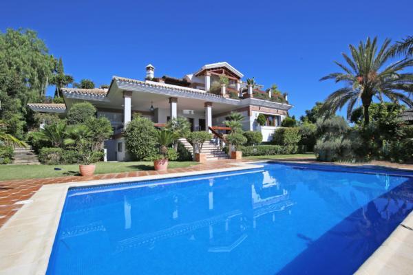 4 Sovrum, 4 Badrum Villa Till Salu i Los Flamingos Golf, Benahavis