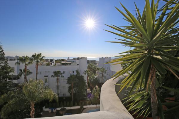 3 Sovrum, 2 Badrum Takvåning Till Salu i Marbella Real, Marbella Golden Mile
