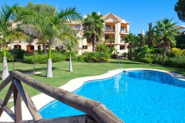 4 Sovrum, 3 Badrum Takvåning Till Salu i Las Mimosas, Marbella - Puerto Banus
